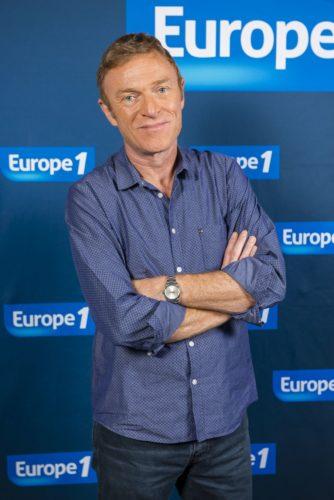 Christophe Hondelatte-Crédits-Europe1-Hugo_Mathy.jpg